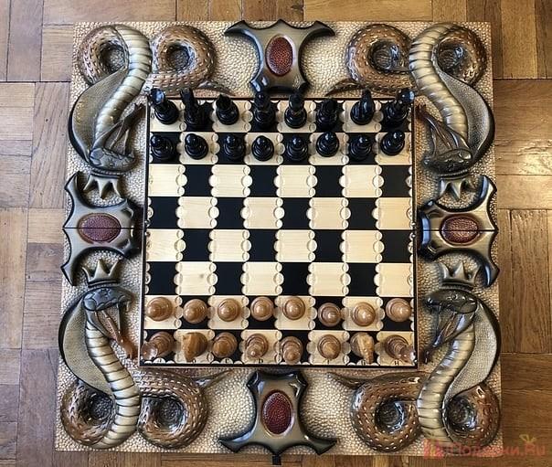 подарочный шахматы ручной работы