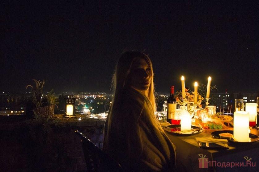 вечер на крыше с девушкой