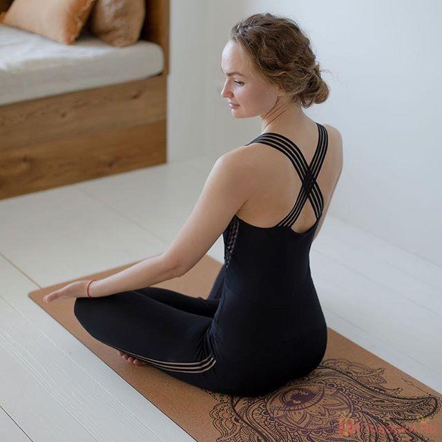 подарить любителям йоги